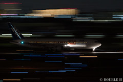 Itami Airport at night 2016.1.31 (2) JA604A / ANA's STAR WARS JET (B767-300) (double-h) Tags: airplane ana starwars observationdeck itamiairport  itm b767  osakaairport b767300    rjoo  ef70200mmf4lisusm specialpainting ja604a    lasora eos7dmarkii
