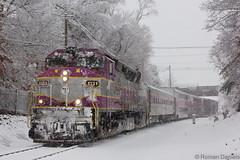 GP40MC 1131 at W Clark St (Roman Daniels) Tags: old snow mbta colony 1131 middleboro lakeville mbcr keolis gp40mc