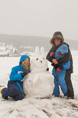A snow rabbit (Nonauk) Tags: ski clothilde anatole bonhommedeneige mtabief lydiemamanmutti lapindesneiges