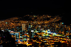 Medelln (alejoisazae) Tags: noche arquitectura nikon colombia edificio ciudad silueta medellin antioquia d90 seleccionar