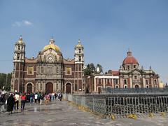 """Mexico City: l'Ancienne Basilique (à gauche) et le Couvent des  Soeurs Capucines (à droite) <a style=""""margin-left:10px; font-size:0.8em;"""" href=""""http://www.flickr.com/photos/127723101@N04/25130497650/"""" target=""""_blank"""">@flickr</a>"""