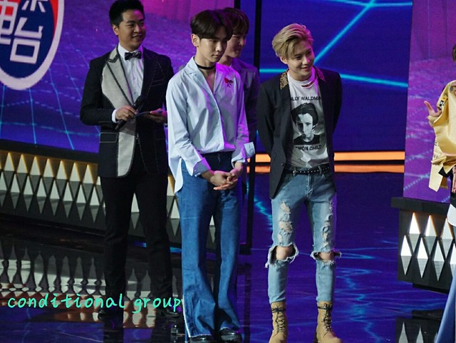 160328 ‎SHINee @ '23rd East Billboard Music Awards' 25521363204_e96b67c0d2_z