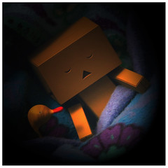 Good night Danbō (steffi's) Tags: japan night toy sleep manga merchandise spielzeug figur schlaf yotsuba danbo wellpappe objectphotography danbooru indooractivities danboard ダンボ kiyohikoazuma ダンボー リボルテックダンボー kartonmännchen danbō kartonschachtelroboter