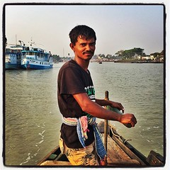 #boatman MOHAMMAD FIROZ #khulna #bangladesh #eavig (shahidul001) Tags: bangladesh boatman khulna eavig uploaded:by=flickstagram instagram:photo=1201820124842061368331697074