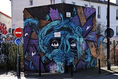 Le monstre bleu (HBA_JIJO) Tags: blue urban streetart france art monster painting graffiti eyes spray peinture montreuil monstre mct monstro dezio hobz charactere hbajijo paris93