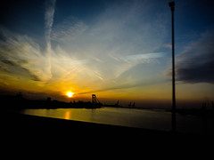 Shashin - DSCN3959 (Mathieu Perron) Tags: life city bridge sunset people japan montagne soleil airport nikon perron coucher roadtrip daily kobe journey  rokko  osaka mp  mont japon personne ville mikage gens vie mathieu fleuve    okamoto sjour    quotidienne      p520  zheld