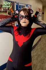 IMG_8495 (Neil Keogh Photography) Tags: pink blue red black female comics mask boots cosplay videogames gloves hero batman cosplayer dccomics jumpsuit nightwing batons gauntlets animatedseries manchesteranimegamingcon2016