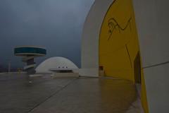 Centro Niemeyer (damargo1983) Tags: sky niemeyer architecture clouds arquitectura edificios torre arte edificio asturias amarillo auditorio cielo nubes museo avils paisajeurbano curvas cpula centrocultural ra premiosprncipedeasturias complejocultural scarniemeyer centroniemeyer complejoarquitectnico centroculturarinternacionalscarniemeyer