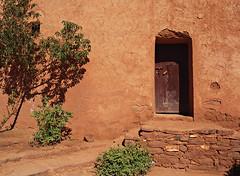 Doorway, El Glaoui Kasbah (nisudapi) Tags: doorway morocco kasbah 2015 telouet elglaoui