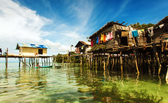 Pulau Selakan (Semporna, Borneo) (www.infografiagijon.es) Tags: houses sea canon island mar floating asturias malaysia borneo casas gijon isla sabah xixon markii malasia asturies flotantes infografia astur eos5d semporna hernancad wwwinfografiagijones