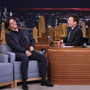 """Wagner Moura arranca risadas de Jimmy Fallon ao falar de """"Narcos"""""""