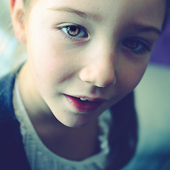 Heure bleue (Christine Lebrasseur) Tags: blue portrait people france art 6x6 girl canon child profile fr vende 500x500 eleonore champagnlesmarais allrightsreservedchristinelebrasseur