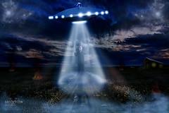 Abduction (RAFotografa) Tags: art digital digitalart paranormal abduction fotomontaje ovni catastrofe abduccion