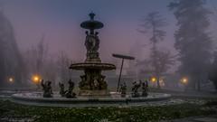 Stadtparkbrunnen in Graz (Bernd Thaller) Tags: fountain fog austria evening haze nebel outdoor brunnen foggy graz stadtpark citypark abendstimmung stadtparkbrunnen brunnenwerk