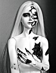 Dikadoll Galois Zombie (ok2la) Tags: bw white 3 black dead death blood doll gritty sean crop bloody dika zomnie dikadoll img2016020903298