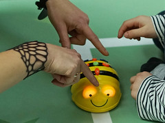 BeeBot (Ars Electronica) Tags: playing kids linz austria research laboratory playful arselectronica experimenting upperaustria arselectronicacenter beebot expermiments kidsresearchlaboratory