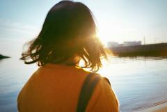(Yuka) Tags: sunset sea portrait sky sun film beach nature analog 35mm lomolca
