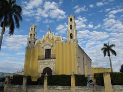 "Merida: une église <a style=""margin-left:10px; font-size:0.8em;"" href=""http://www.flickr.com/photos/127723101@N04/25324168944/"" target=""_blank"">@flickr</a>"