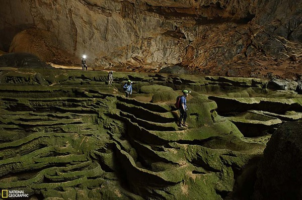 worlds-largest-cave-hang-son-doong-vietnam-10-600x398