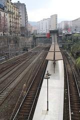 Bilbao - Esperé, pero no apareció (Towner Images) Tags: city station spain railway bilbao espana cutting basque euskadi abando towner townerimages