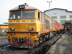 Bang Sue Depot, Thailand (Barang Shkoot) Tags: france train thailand diesel bangkok engine machine loco thai depot locomotive alstom siam gauge bkk srt metre rsr bangsue 4303 alsthom rotfai