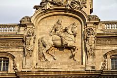 Le bon roi Henri IV veille sur Lyon (Chemose) Tags: city november autumn sculpture france building statue architecture automne canon eos town novembre lyon cityhall 7d btiment ville mairie hteldeville henriiv