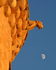gargouille, mont saint-michel (ericb29) Tags: moon lune btiment gargouille montsaintmichel nikond800