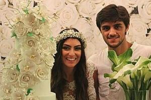 Felipe Simas e Mariana Uhlmann se casam em Itaipava