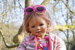 Anne-Moni ... (Kindergartenkinder) Tags: park dolls outdoor sony schloss landschaft baum annette frhling herten himstedt annemoni kindergartenkinder sanrike