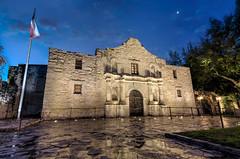 The Alamo - San Antonio, TX (kinchloe) Tags: moon architecture sanantonio texas tx flag historic mission alamo thealamo