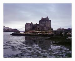 Eilean Donan Castle 4x5 - Fuji Pro 160NS (magnus.joensson) Tags: winter sunrise scotland fuji ns large filter pro 4x5 format 90mm warming 160 c41 rodenstock skotland grandagon