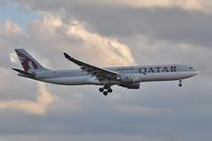 QR0001 DOH-LHR (A380spotter) Tags: london heathrow landing finals airbus arrival approach a330 qr lhr qatar qatarairways qtr 300x egll  27l runway27l shortfinals a7aei qr0011 dohlhr alqatariya flight16102009qr0100dohdxb12b0040