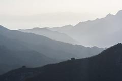 Berge bei der chinesischen Mauer (j.kopka) Tags: china natur berge chinesische aussicht landschaft ausblick mauer fernblick berggipfel