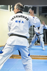 Maestro (Alejandro Gonzlez Amador) Tags: white blanco del martial kick arts indoor taekwondo fist dojo maestro gym gimnasio artes sant sensei puo patada cugat valls marciales