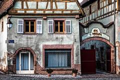 Ferm (Lucille-bs) Tags: france architecture europe village alsace porte fentre vitrine enseigne colombage portail ferm hautrhin volet bergheim