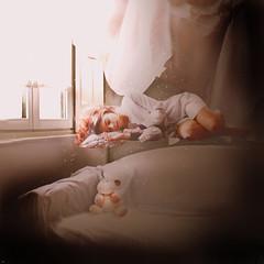 Dreaming (Levitation) (elenaegling) Tags: inspiration photoshop levitation dreaming luce anka magia fotomontaggio sogno sognare ispirazione levitazione zhuravleva