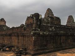 "Angkor: le temple du Mébon oriental <a style=""margin-left:10px; font-size:0.8em;"" href=""http://www.flickr.com/photos/127723101@N04/24295354115/"" target=""_blank"">@flickr</a>"