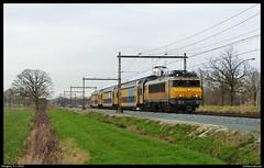 1737+DDAR 7375 te Hengelo (Allard Bezoen) Tags: train ns loco locomotive loc bb nez casse trein stam 1700 lok hengelo regio cass sprinter dubbeldekker 7300 stoptrein ddar locomotief 1737 elok eloc agglo elektrolok 7375 dubbeldeks lokomotieve bb1700