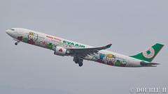 "Fukuoka Airport 2016.1.17 (42) B-16332 / BR's A330-300 painted ""HELLO KITTY"" (APPLE) (double-h) Tags: apple airplane hellokitty a330   fuk  evaairways  fukuokaairport a330300  rjff  specialpainting  b16332 eos7dmarkii ef100400mmf4556lisiiusm accinfukuoka"