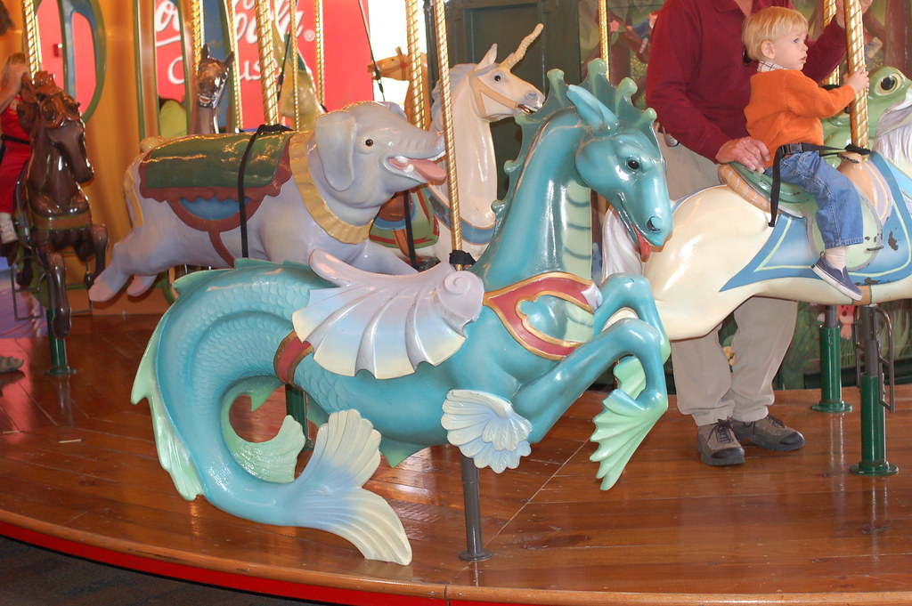DSC 3716 ToonFox42 Tags Sea Monster Mall Paradise Dragon Carousel Valley
