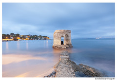 IMG_8405 (Holiness) Tags: mer cotedazur sable antibes tourelle