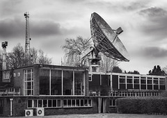 watchers (Stewart485) Tags: england technology places things science jodrellbank impression mechanism radiotelescope evocative vaguelyarty