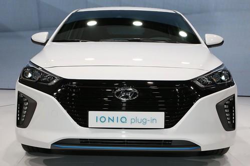 "Hyundai Ioniq en el Salón de Ginebra. Foto de InsideEVS (4) <a style=""margin-left:10px; font-size:0.8em;"" href=""http://www.flickr.com/photos/128385163@N04/25198181900/"" target=""_blank"">@flickr</a>"