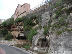 Cao de Hierro, Hornachuelos, Crdoba (arvaloanab) Tags: highway carretera paisaje caves vegetation crdoba vegetacin cuevas hornachuelos physicalgeography rocassedimentarias casacolgante geografafsica