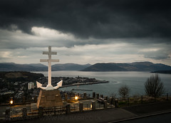 The Free French Memorial (GenerationX) Tags: sunset sea sky mountains water statue clouds river landscape evening scotland clyde greenock unitedkingdom dusk scottish neil hills anchor gb gourock barr gloaming kilcreggan inverclyde firthofclyde lylehill crossoflorraine rosneathpeninsula freefrenchmemorial canon6d gourockbay