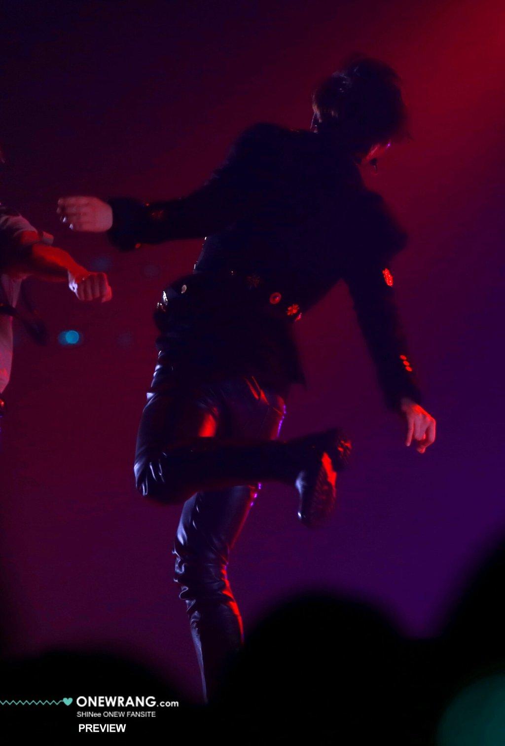 160409 Onew @ 'SHINee WORLD 2016 DxDxD in Hiroshima' 25892012543_0d535327cb_o