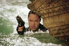 Angelina Jolie en Tomb Raider La Cuna de la Vida (inetflixes) Tags: angelinajolie laracroft tombraider netflix cunadelavida