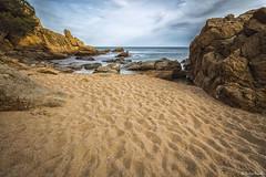 Cala_St_Francesc_10 (xrosellop) Tags: beach sand abril playa arena cala rocas platja blanes francesc 2016
