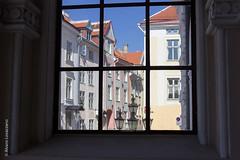 Tallin (alovazzano) Tags: viaje window canon ventana europa europe tallinn estonia baltic tallin t3i alexandernevsky baltico