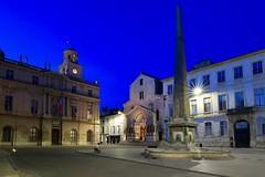 Arles IMG_9856 (Ludo_M) Tags: city longexposure night canon pose eos noche town cityscape nightshot nacht wideangle stadt bluehour arles nuit notte ville 6d grandangle poselongue heurebleue canoneos6d 20mmf14dghsm|art015